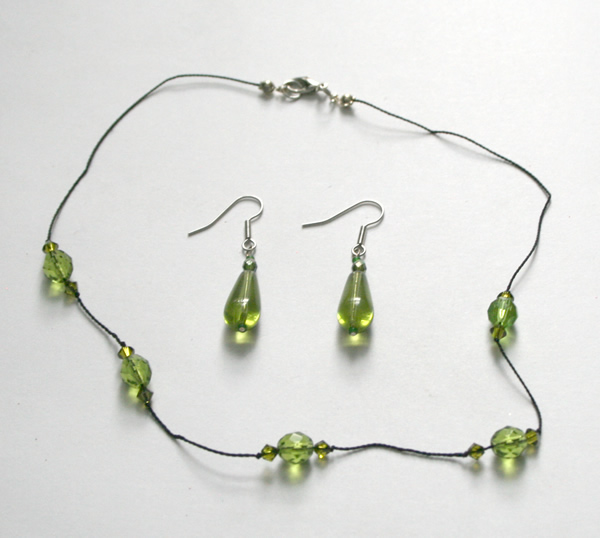 Green translucent necklace and earring set
