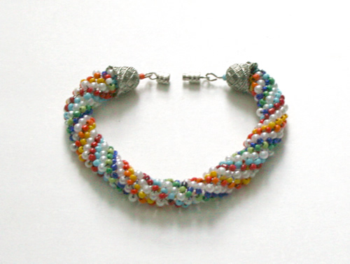 Beading: multicolour brade bracelet