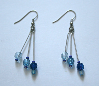 Beading: three-blue triple earrings