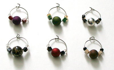 Wine charms, multicoloured, round