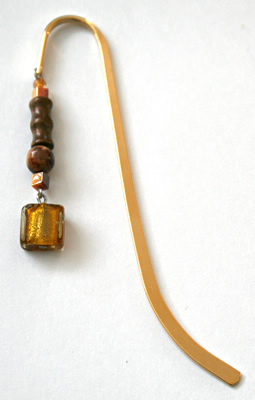 Beading: gold-tone bookmark #11, amber and wood, with gold-colour square drop