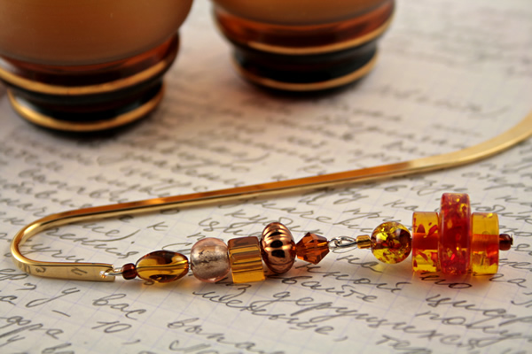 Beading: Gold-tone bookmark #20, amber and brown, with amber drop, etsy, writing and 2 glasses