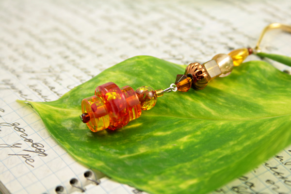Beading: Gold-tone bookmark #20, amber and brown, with amber drop, etsy, writing and leaf