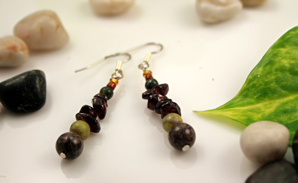 Beading: Garnet Russian serpentine gemstone earrings, etsy, stones and leaf