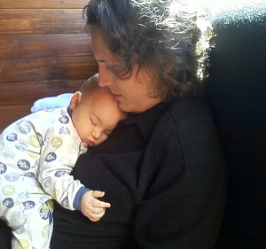 Alaric asleep on Kent at Connor's pub, face, 5 months and 28 days old