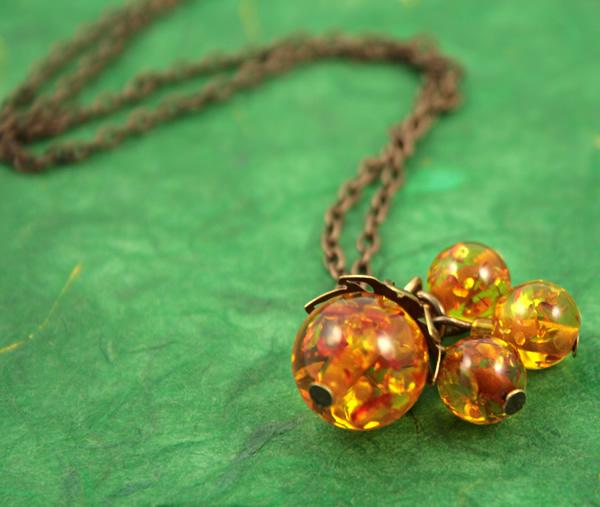 Sunlight bubbles necklace, etsy, green bg, medium