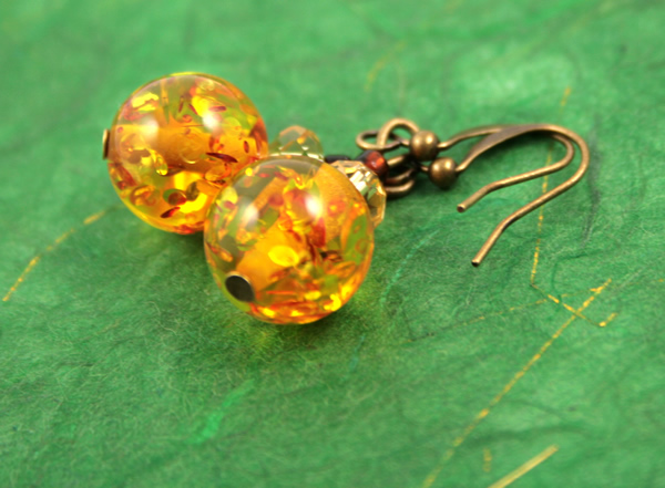 Sunny splash earrings, etsy, green bg shiny, medium