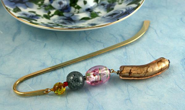 Candy Roses bookmark, blue bg, md
