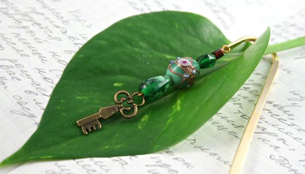 Secret key bookmark, leaf, md