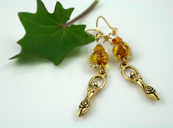 Golden amber birth goddess earrings, green, md