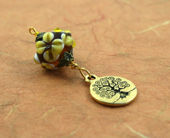 Blessingway bead earth and tree of life on earth, med