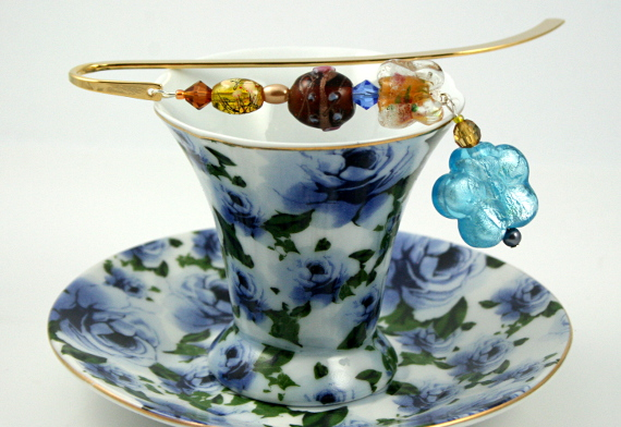 Bookmark blue flower and golden butterflies cup, med