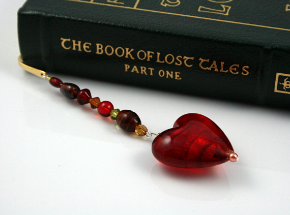 Bookmark caramel blood red heart book, med