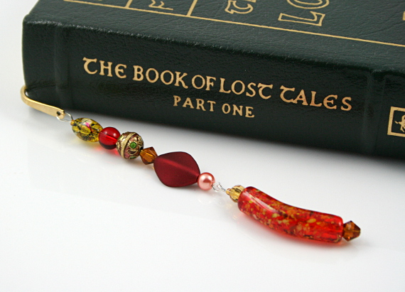 Bookmark red golden amber book, med