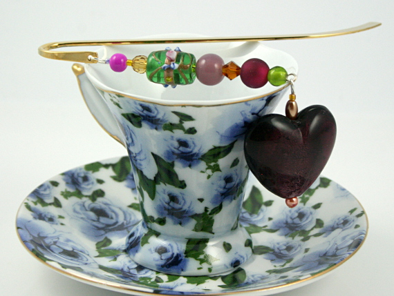 Bookmark royal purple heart cup, med