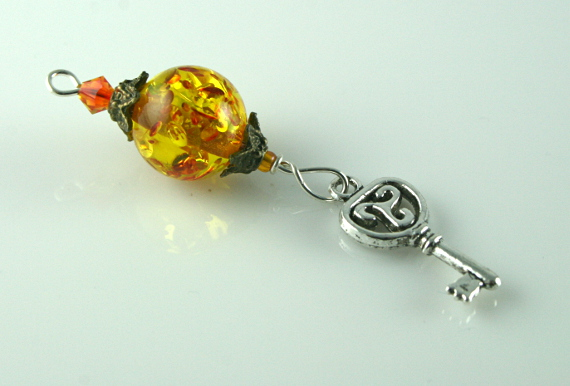 Blessingway bead - Amber key, white, md