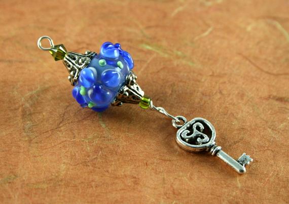 Blessingway bead - Blue flower key, earth, md