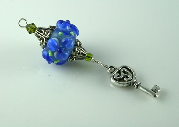 Blessingway bead - Blue flower key, md