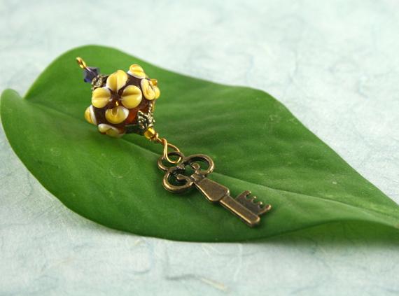 Blessingway bead - Earth flower key, earth, md