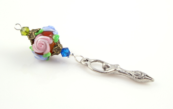 Blessingway bead - Rose goddess, white, md