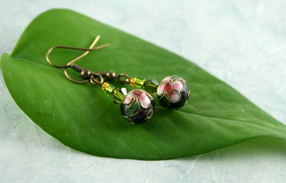 Earrings - Lush green forest, leaf, md