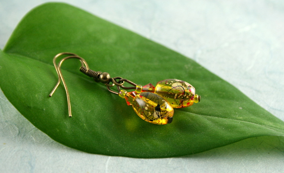 Earrings - Playful in amber, leaf, md