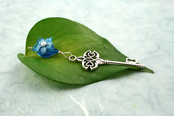 Blessingway bead - Blue flower heart key, md