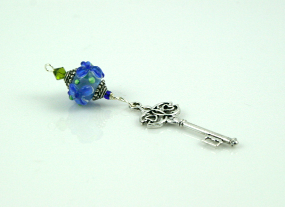 Blessingway bead - Blue flower key, md
