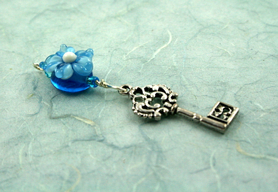 Blessingway bead - Blue flower silver key, blue, md