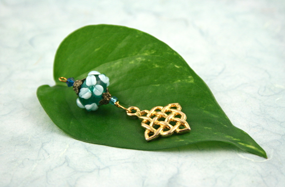 Blessingway bead - Forest spring celtic knot, leaf, md