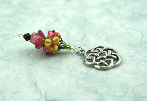 Blessingway bead - Rose meadow flower celtic knot, blue, md