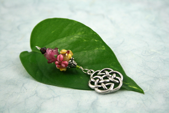 Blessingway bead - Rose meadow flower celtic knot, leaf, md
