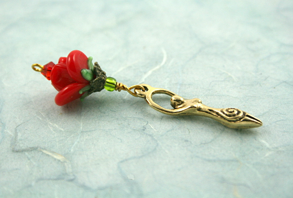 Blessingway bead - Golden red rose goddess, blue, md