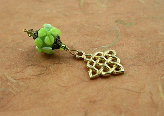 Blessingway bead - Golden young leaves celtic knot, earth, md
