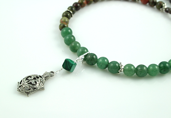 Pregnancy Tracking Necklace - Green Forest - aventurine, labradorite, unakite, malachite, closeup, md