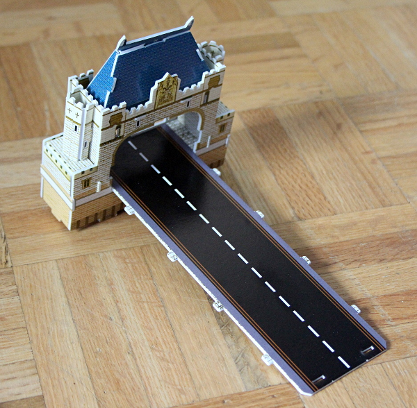 Londow Tower Bridge 3D puzzle, first bridge end, med