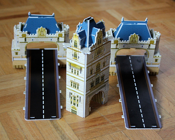 Londow Tower Bridge 3D puzzle, first tower beginning, med