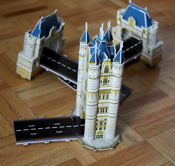 Londow Tower Bridge 3D puzzle, first tower, med