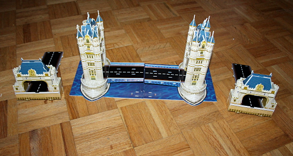 Londow Tower Bridge 3D puzzle, parts before connection, med