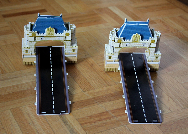 Londow Tower Bridge 3D puzzle, two bridge ends, med