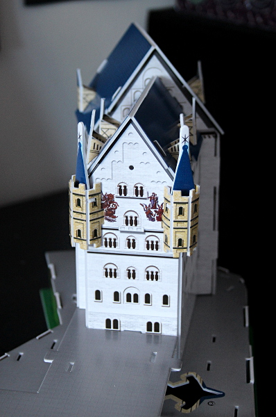 Neuschwanstein Castle 3D puzzle, closeup, md