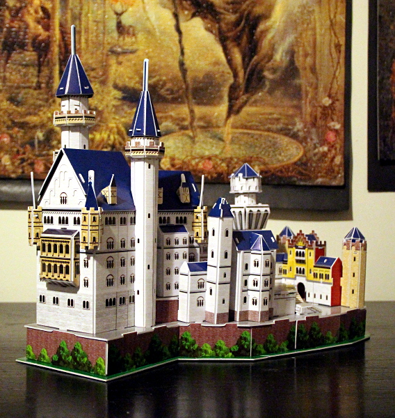 Neuschwanstein Castle 3D puzzle, full red, med