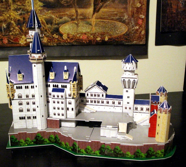 Neuschwanstein Castle 3D puzzle, full right, med
