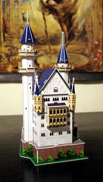 Neuschwanstein Castle 3D puzzle, full tower closeup, med