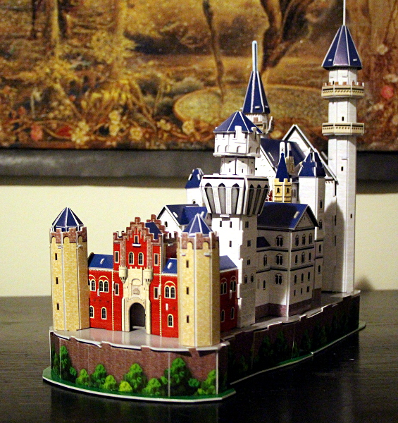 Neuschwanstein Castle 3D puzzle, rull red yellow, med