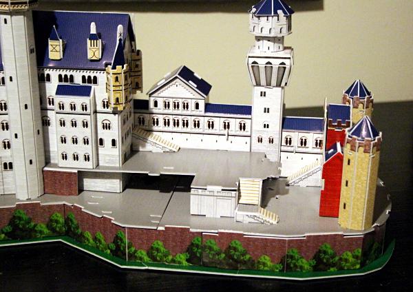 Neuschwanstein Castle 3D puzzle, stairs, med